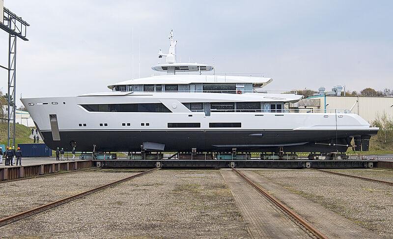 Lürssen 13800 yacht launch