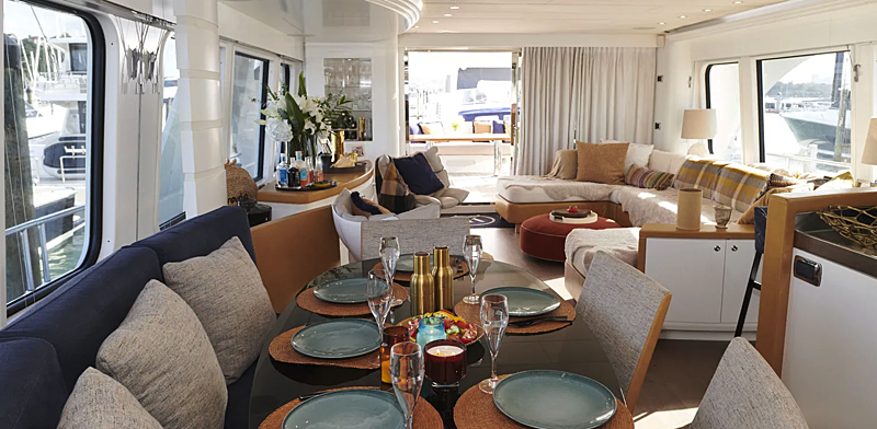 Willow yacht dining