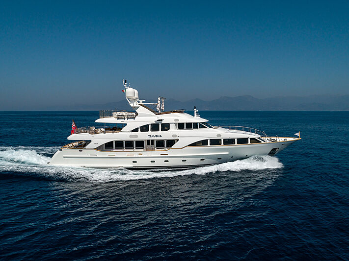 Tanusha yacht cruising