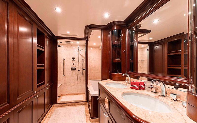 Tanusha yacht bathroom