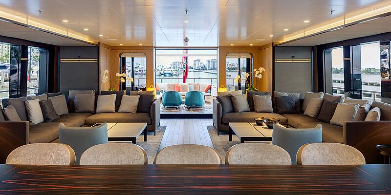 Halo yacht saloon