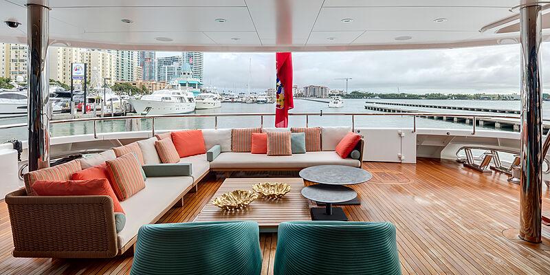 Halo yacht aft deck