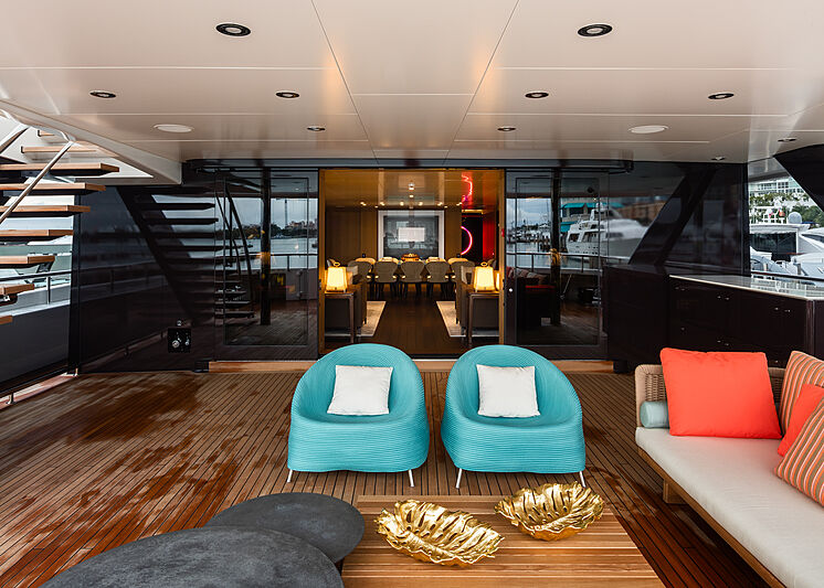 Halo yacht aft deck