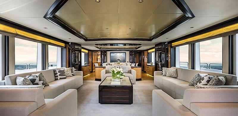 Shamal yacht salooon
