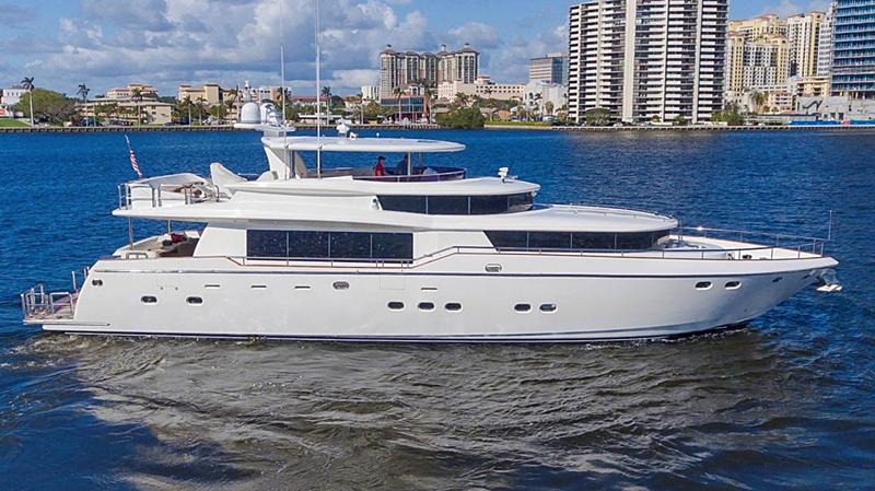 4 Mal yacht anchored