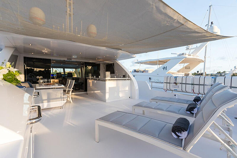 G-G yacht upper deck