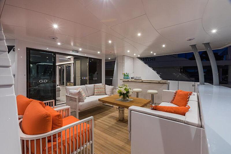 G-G yacht aft deck