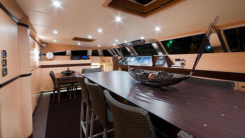 Ipharra yacht dining