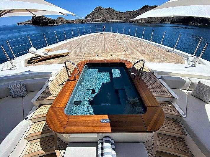Seven Seas yacht foredeck