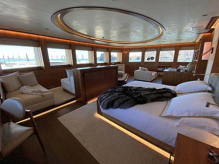 Seven Seas yacht stateroom