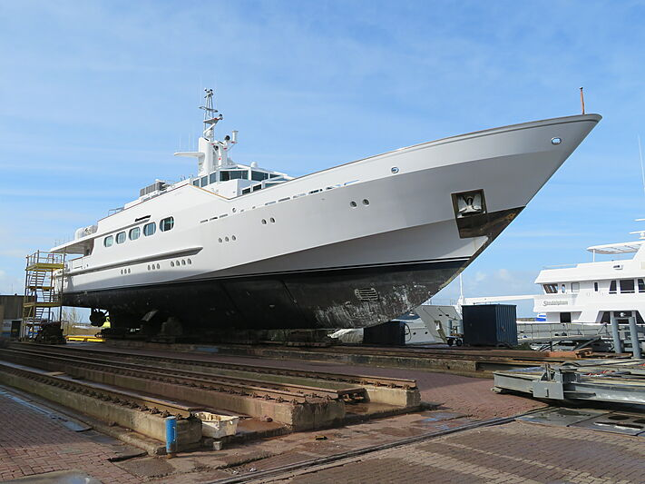 Azteca yacht out of water at Balk Shipyard