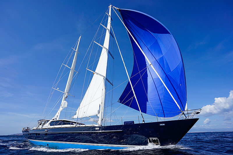 La Cattiva yacht sailing