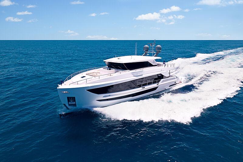 Horizon FD87/18 yacht cruising