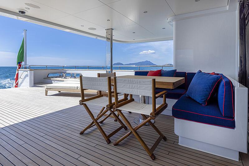 Crowbridge yacht aft deck