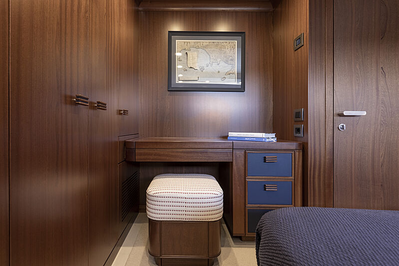 Crowbridge yacht stateroom