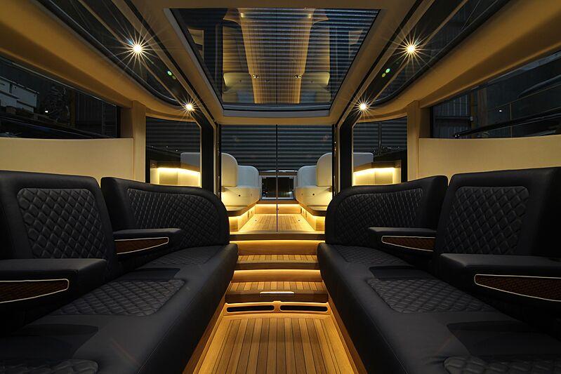 Hasna 9m Limousine
