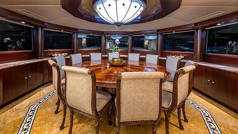 Starship yacht dining