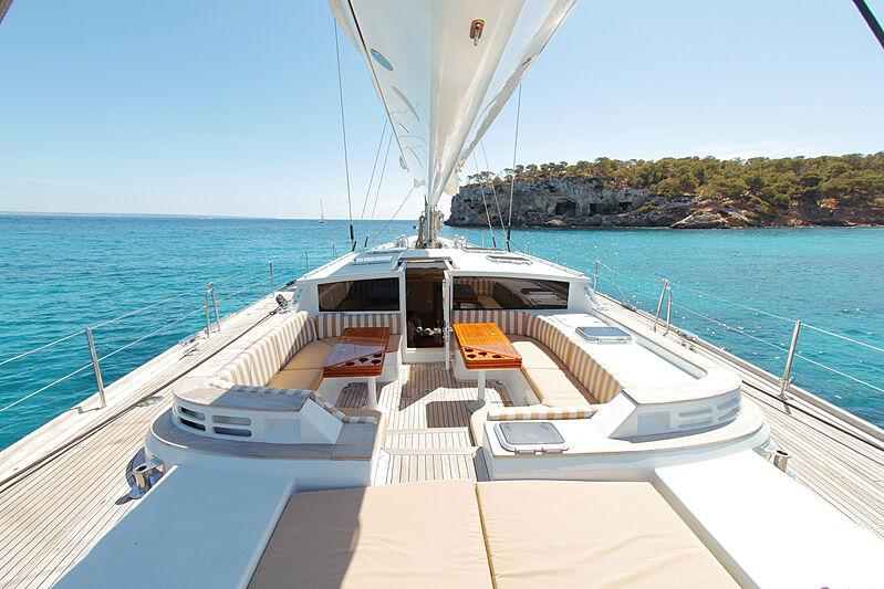 Elton yacht aft deck