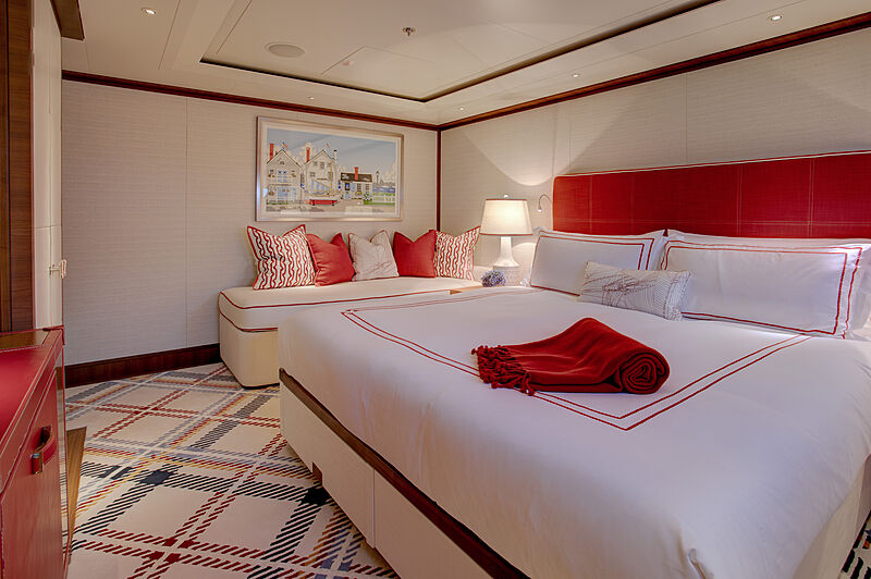 Cynthia yacht guests'cabin
