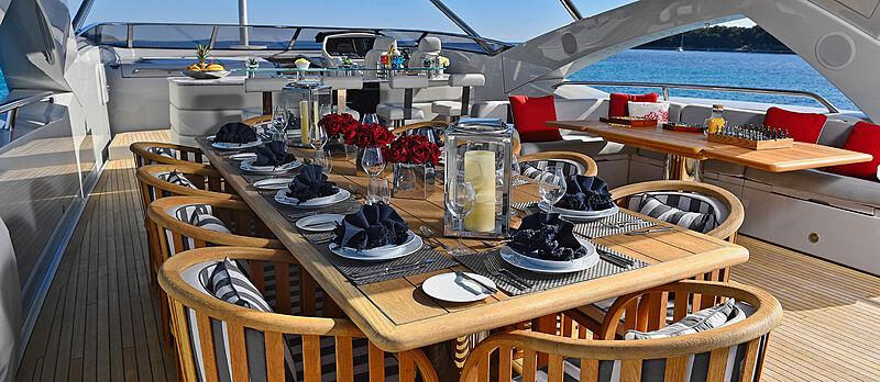 Emoji yacht sundeck dining