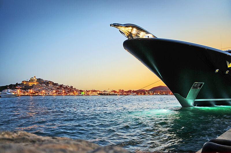Evolution Yacht Agents