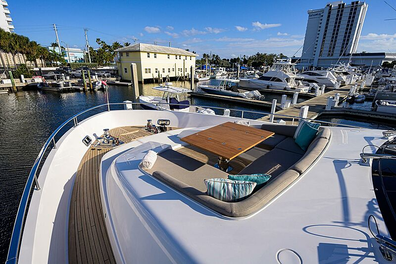 STAE yacht foredeck