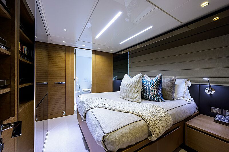 STAE yacht stateroom