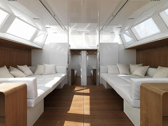 Polytropon II yacht main room