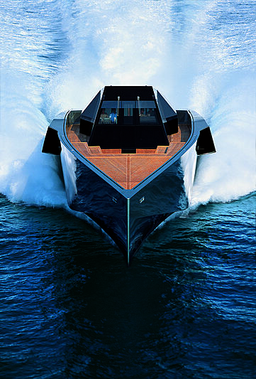 WallyPower yacht running