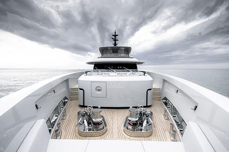 RJ yacht foredeck