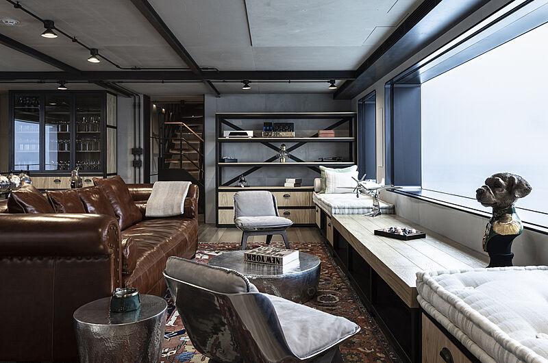 Aurelia yacht saloon