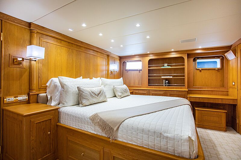 Viaggio yacht stateroom