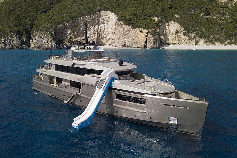 Giraud yacht anchored