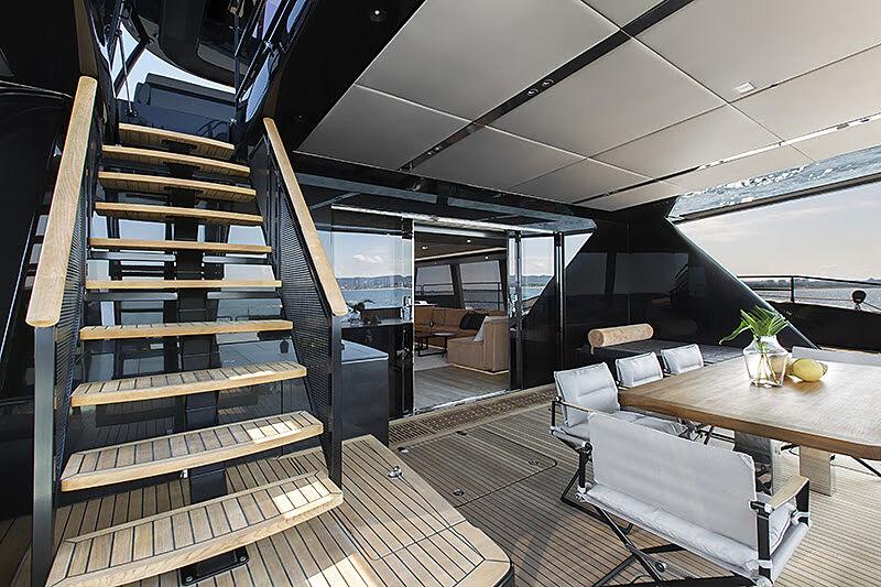 Grayone yacht aft deck