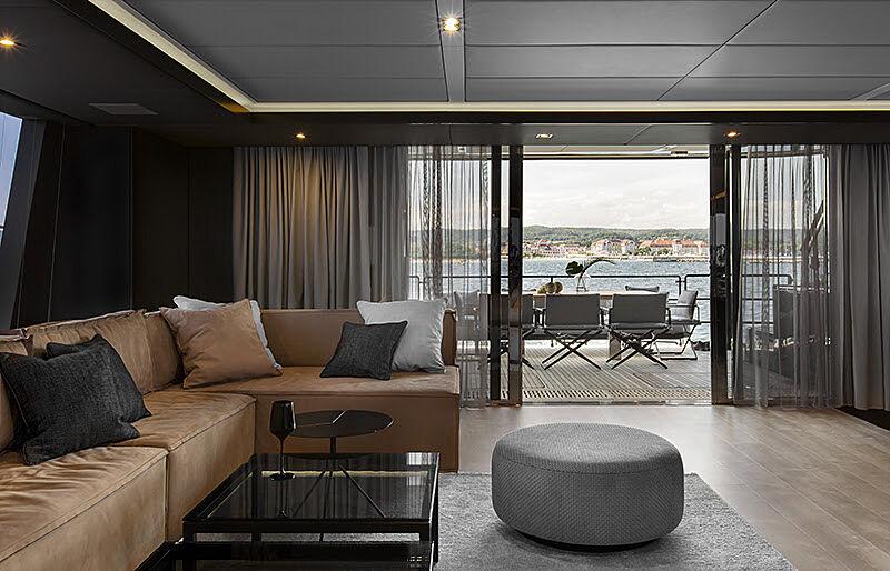 Grayone yacht saloon