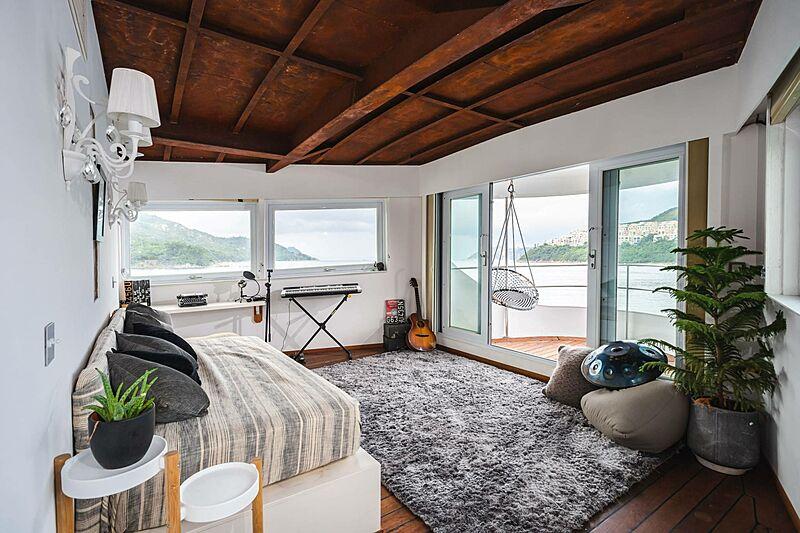 Dot yacht stateroom