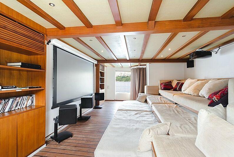Dot yacht cinema
