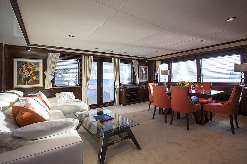 MQ2 yacht saloon
