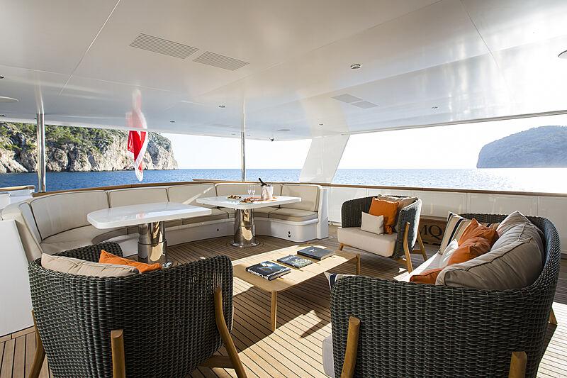 MQ2 yacht aft deck seating