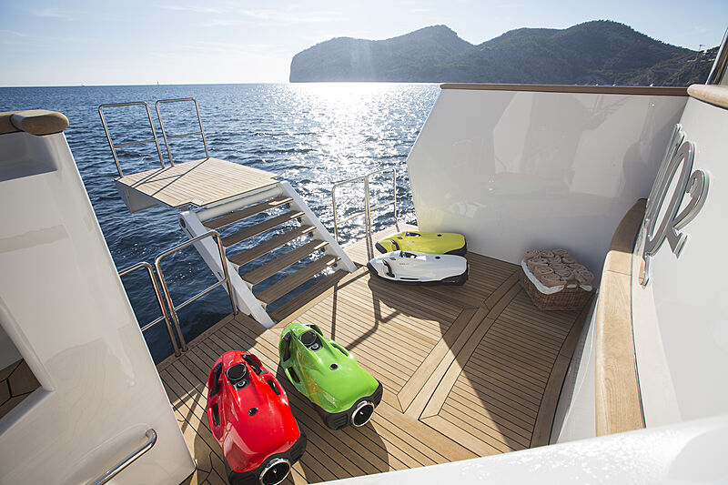 MQ2 yacht beach club