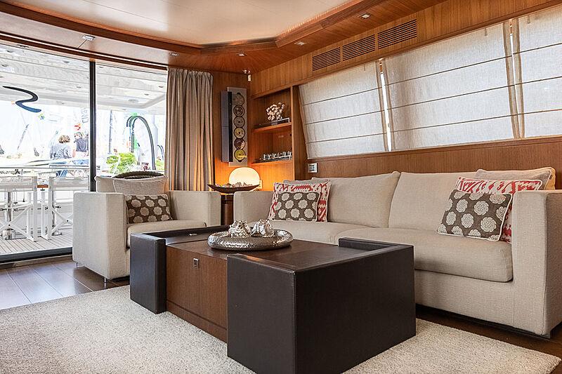 Stravaganza yacht saloon