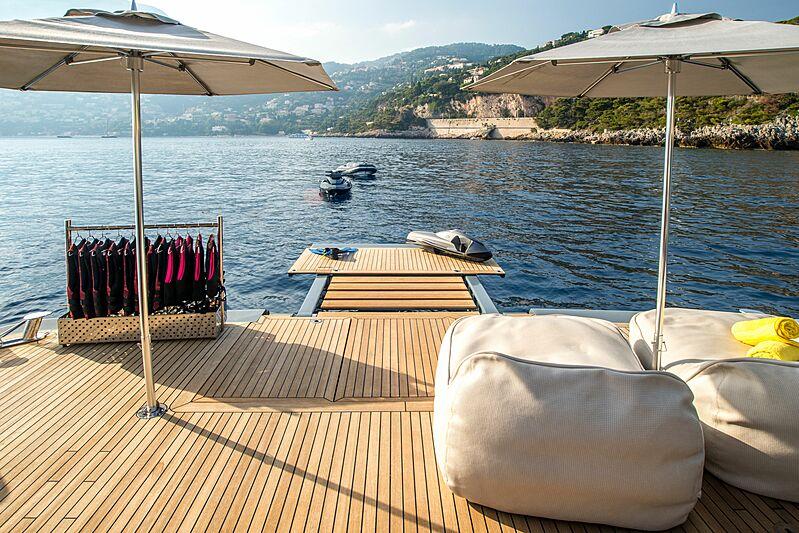Zulu yacht swim deck