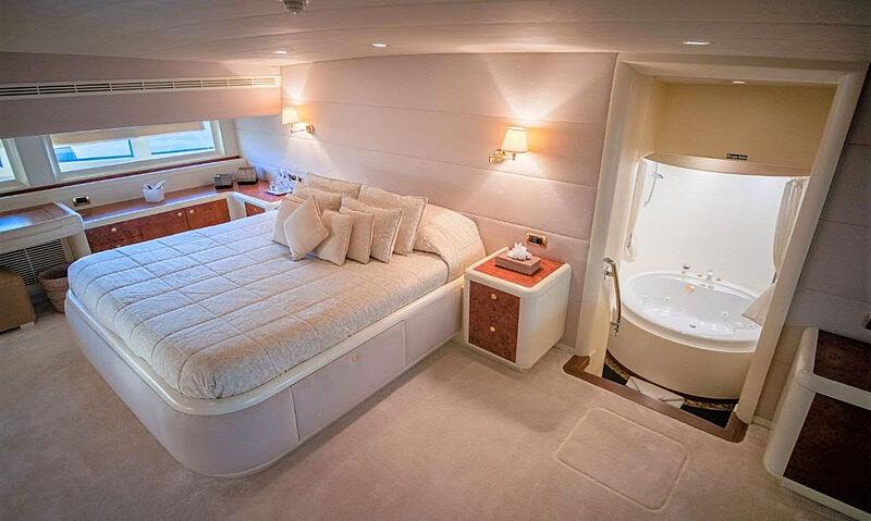 Mabruk III yacht stateroom
