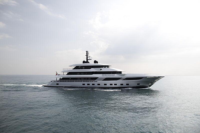 Majesty 175/001 yacht under sea trials