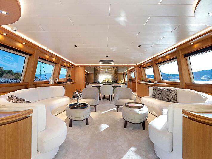 Mamma Mia yacht saloon