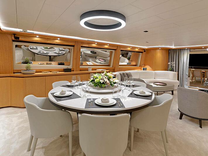 Mamma Mia yacht dinning area