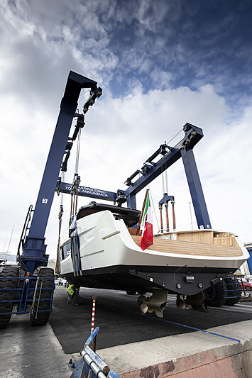 Evo V8 yacht launch in Naples