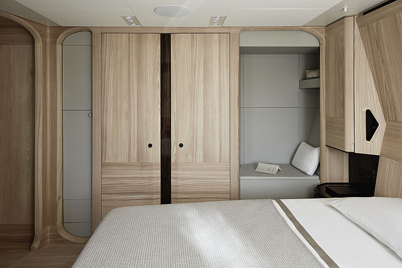 Annabella yacht guests's cabin