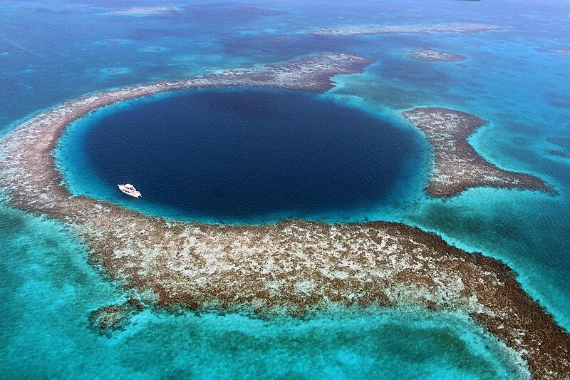 Blue hole in Belize