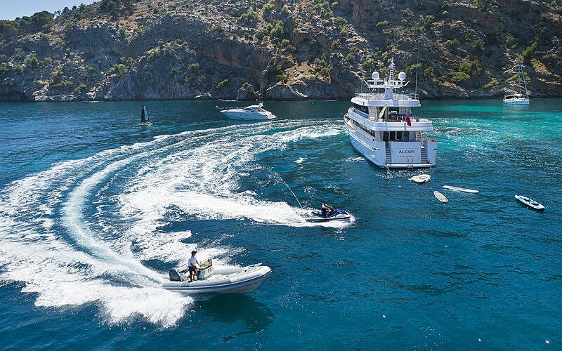Alcor yacht anchored